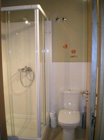 Apartamentos Refitoleria: Baño