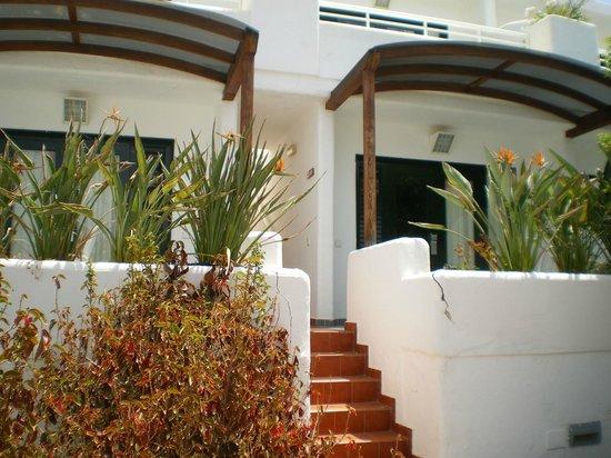 Relaxia Lanzaplaya: Entrada a cada apartamento