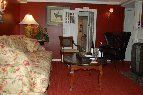 Garden Gables Inn: Sitting room
