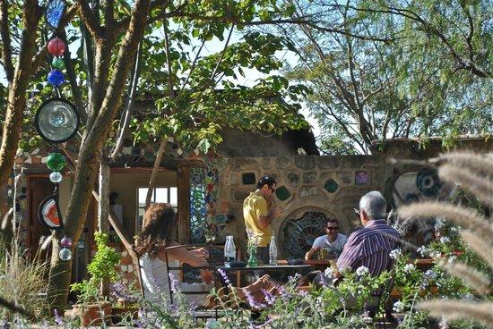 Anselm's Kitengela Hot Glass: new cafe - le glasstronomique