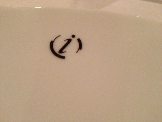 Restaurant Initiale : tableware