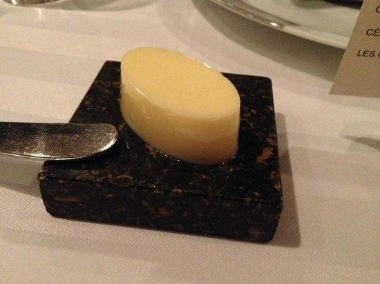 Restaurant Initiale : Attention to details... the butter