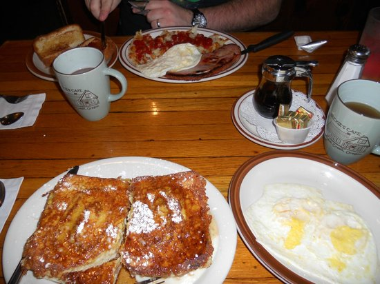 Beckie's Cafe : Classic Beckies Breakfast and Cinnamon Roll French Toast