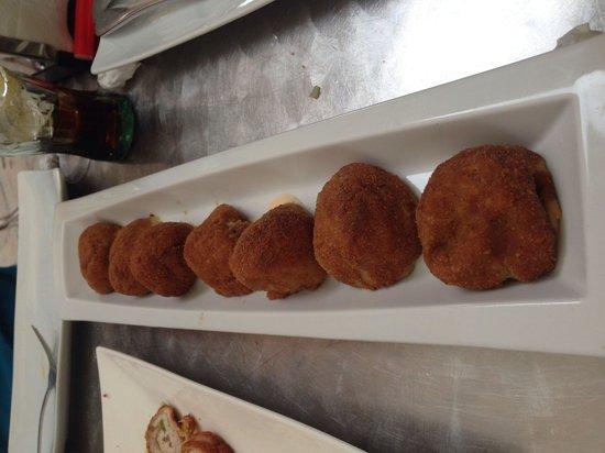 Restaurante-Taperia ANTIQUE: Croquetas de boletus