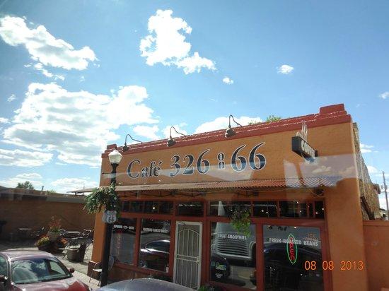 Cafe 326: FACCIATA BAR