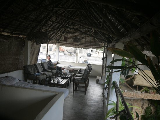 Yumbe House Lodge: top flor patio