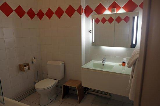 Hotel De Paris: Renovierter Badbereich
