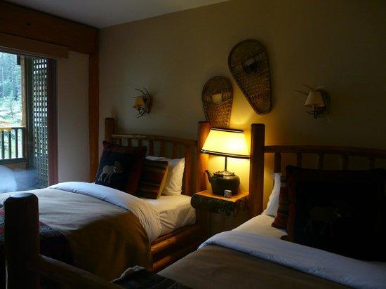 Moraine Lake Lodge: Attractive decor