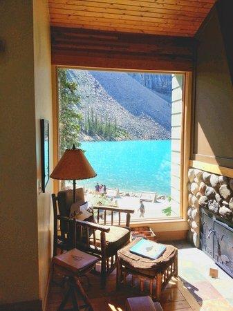 Moraine Lake Lodge: Our Cabin