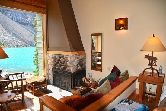 Moraine Lake Lodge: Our Cabin