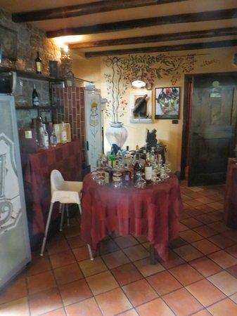 La Tavernetta : Интерьер ресторана