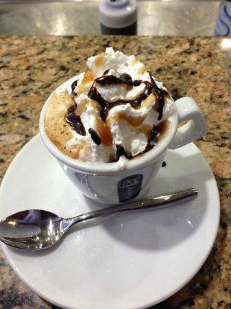Caffe Carducci: special coffee con panna