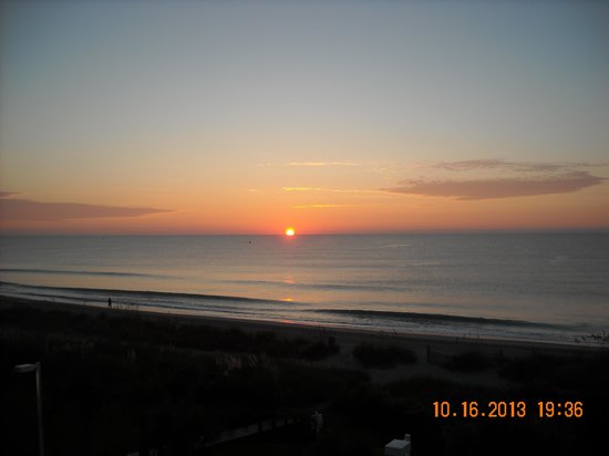 Super 8 Myrtle Beach/Ocean Front Area: Best time of day