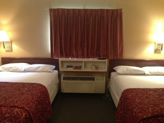 Suburban Extended Stay Hotel Kennesaw: Double Room