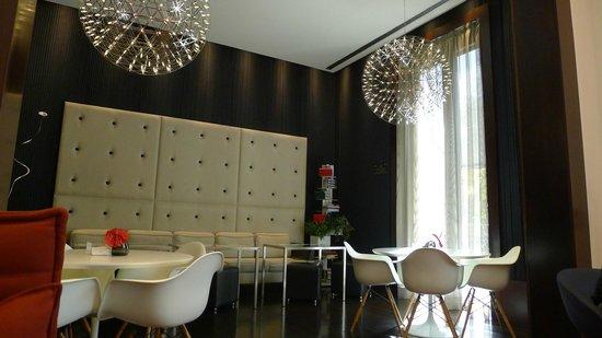 Sixtytwo Hotel: Restaurante - café