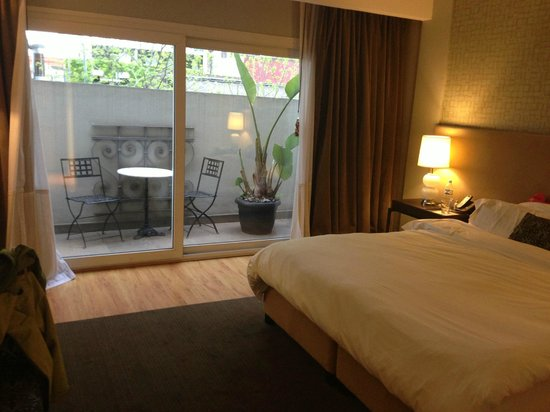 Nuss Buenos Aires: superior room at front