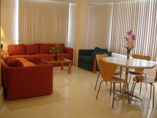 Hotel & Suites Nader: Otro aspecto de nuestras Suites