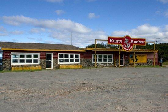 Rusty Anchor Restaurant: Front of restaurant