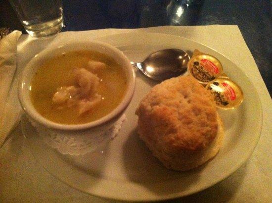 Rusty Anchor Restaurant: Seafood Chowder