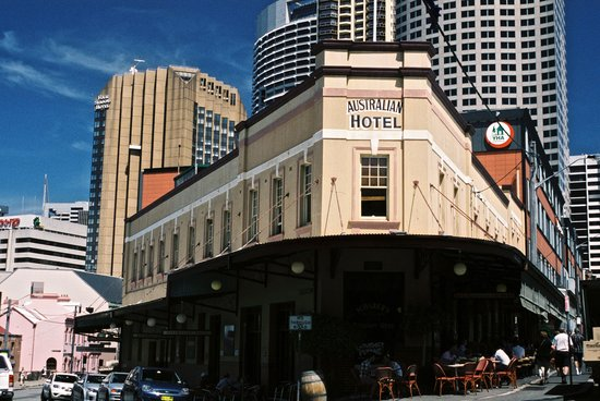 The Australian Heritage Hotel : Australian Heritage Hotel from the street