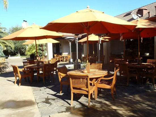 Villagio Inn and Spa: Outdoor dining area