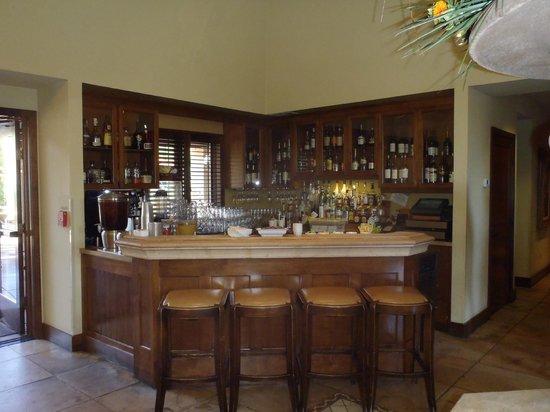 Villagio Inn and Spa: Lobby bar