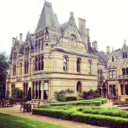 Ettington Park Hotel: View of the building from the garden