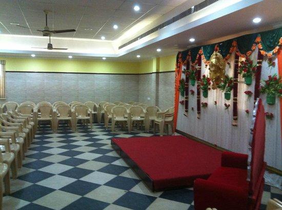 Season 4 Guest House: Banquet Hall