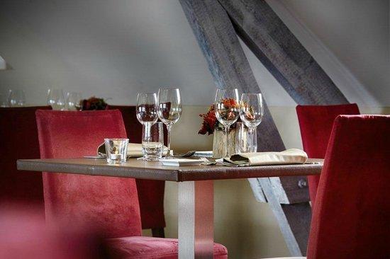 De Steenen Haene: Gezellig tafeltje boven