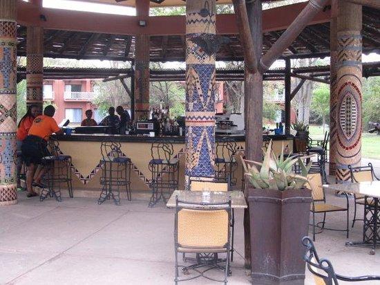 AVANI Victoria Falls Resort: the bar