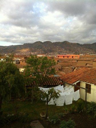 Casona La Recoleta: Vista desde la sala hacia la huerta y la ciudad
