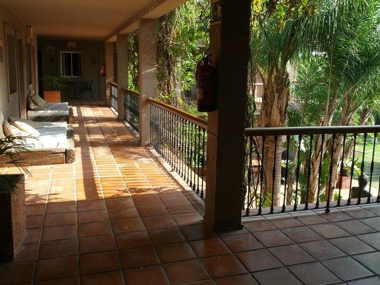 Chillout Hotel Tres Mares : Zona de habitaciones