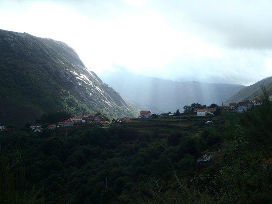 Peneda Hotel : The road up - stunning scenery