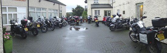 The George Hotel: Most of the bikes on the trip