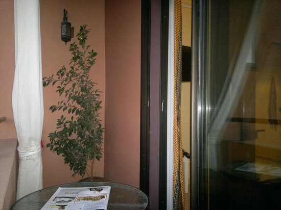 Amani Hôtel Appart: chambre / balcon