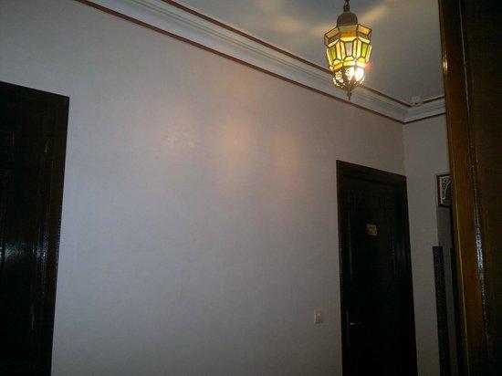 Amani Hôtel Appart: couloir