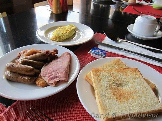 Mercure Kuta Bali: Breakfast