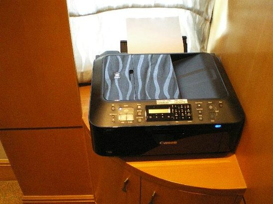 Makati Shangri-La Manila: Fax Machine