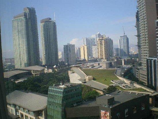 Makati Shangri-La Manila: Makati Skyline
