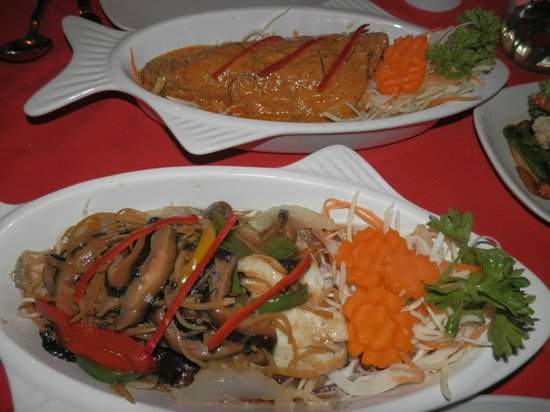 Na Lampang: Steamed & Fried Fish Dishes.. incredible