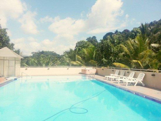 Hotel Devon: Swimming pool