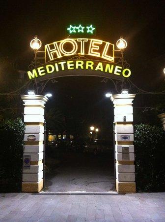 Hotel Mediterraneo: A Throwback!