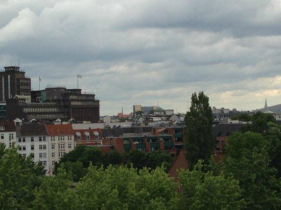 Lindner Hotel Am Michel: Suite mit Balkon herrlicher Blick über HH