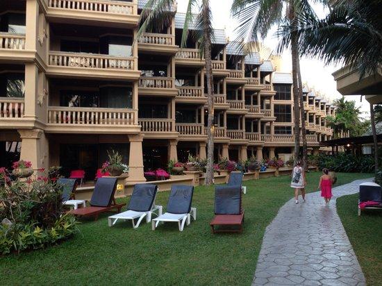 Kata Beach Resort and Spa: По дороге с моря