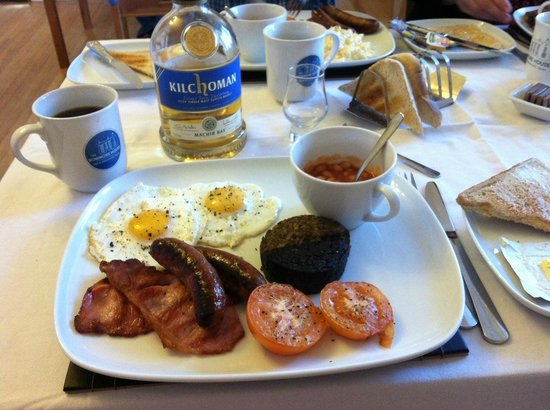 The Bowmore House: COMPLETE breakfast!