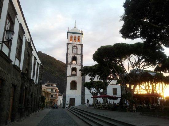 Hotel La Quinta Roja: Garachico church