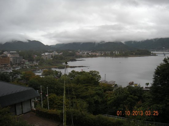 Breezbay Lake Resort Kawaguchiko: Vista para o lago