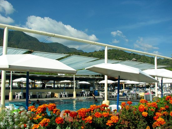 Hotel Balneario San Juan Cosala: The Pool & The Mountains