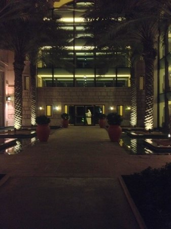 Jumeirah Al Qasr at Madinat Jumeirah : Entrance ground level
