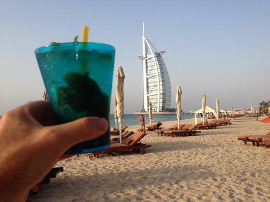 Jumeirah Al Qasr at Madinat Jumeirah : Mojito at sunset!